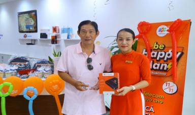 FPT Telecom trao hàng ngàn quà tặng cho khách hàng nam trong ngày 11/11