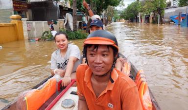 FPT Telecom vượt lũ nối hạ tầng ở Quảng Nam