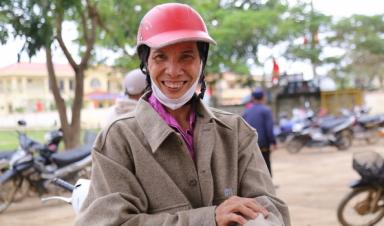 Quỹ Hy vọng nhà F kết hợp UNIQLO mang áo ấm đến người nghèo